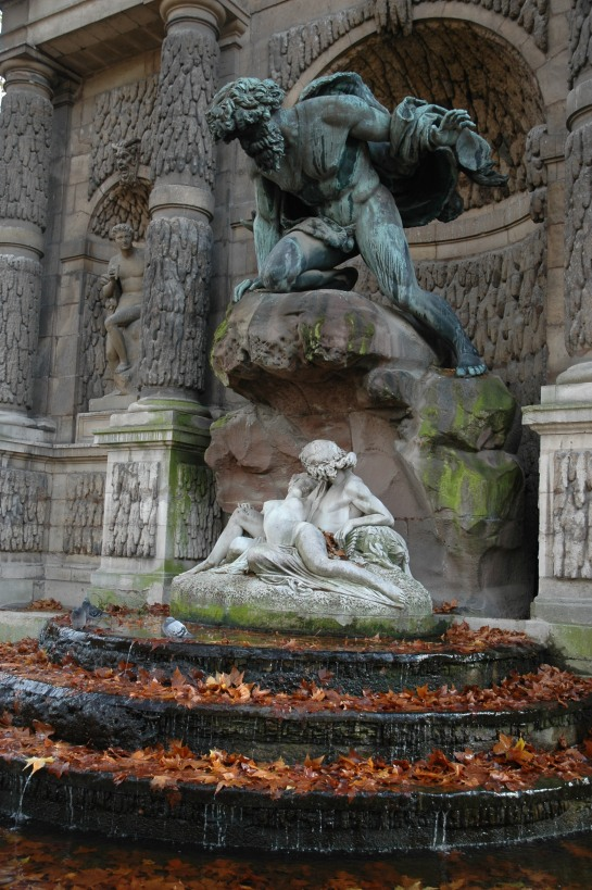 Fountain of Leda, Paris